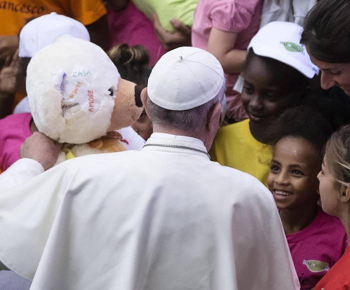 I bambini di Auxilium in udienza del Papa