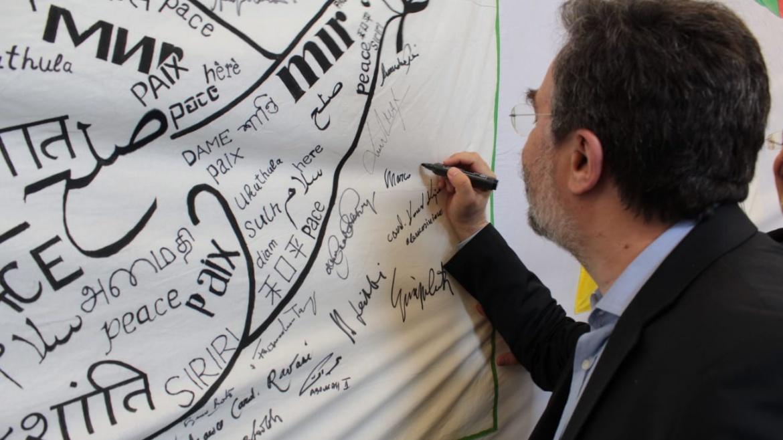 Marco Damilano visita il centro Mondo Migliore