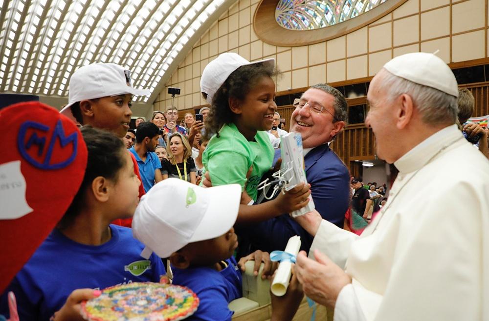 I minori accolti da Auxilium con Papa Francesco