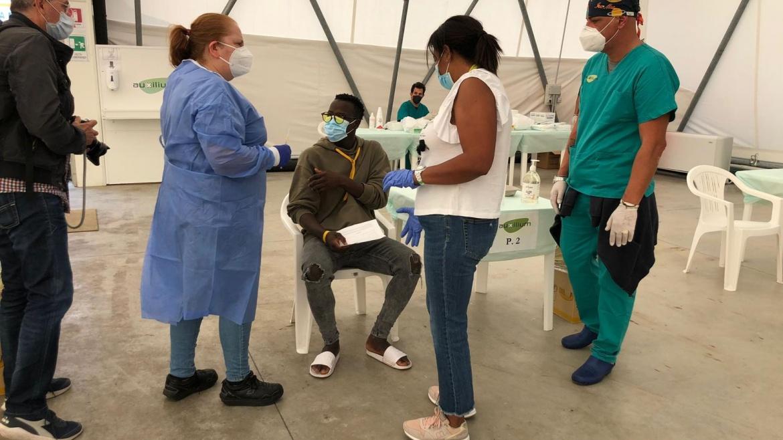 Al via le vaccinazioni per gli ospiti del Cara di Bari