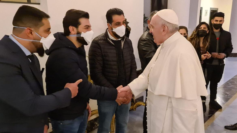 Avvenire, il Papa incontra un gruppo di rifugiati a Santa Marta prima di partire per l'Iraq